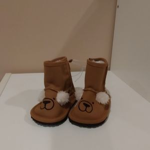 NWT faux fur girls boots
